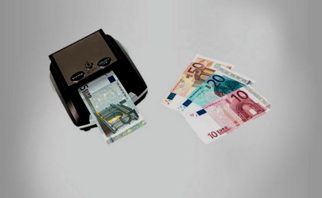 máquina detectora de billetes falsos
