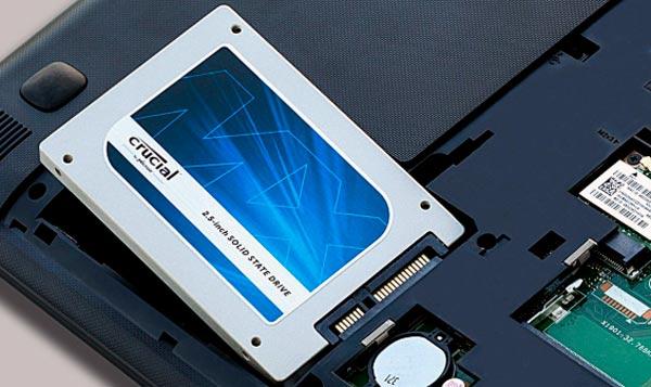 instalar discos duros SSD